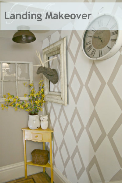 stairwell landing makeover, stenciled wall