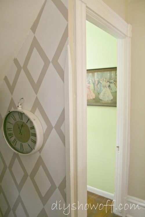 Diy show off dressing room reveal awesome closet for Catty corner bedroom ideas