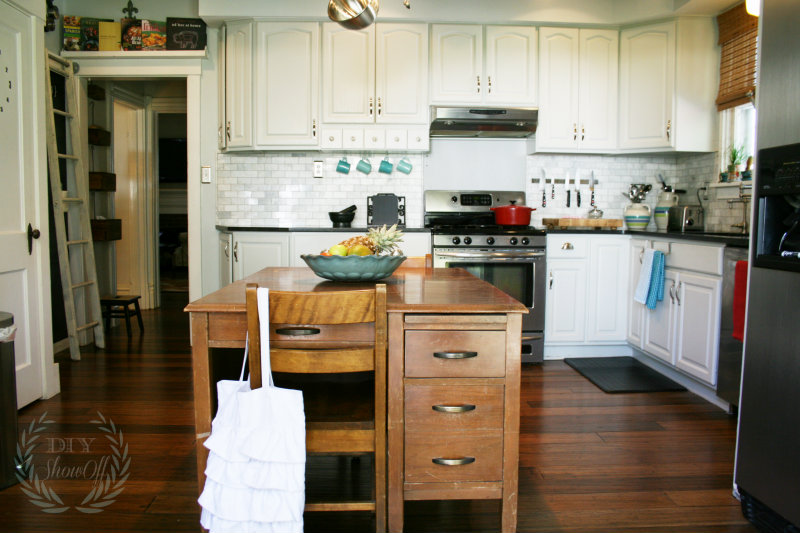 Before and After Farmhouse Kitchen MakeoverDIY Show Off ...