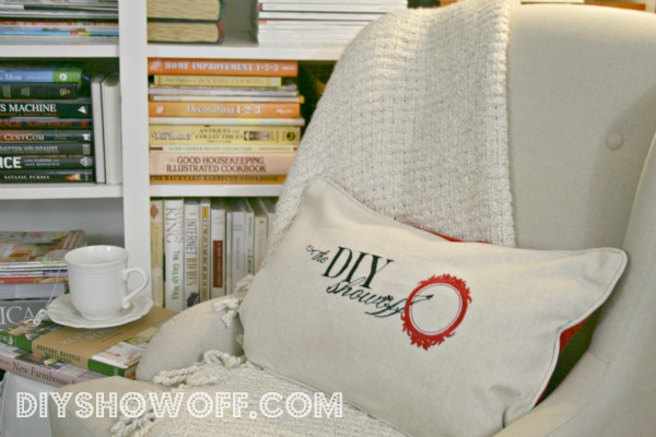 Book nookdiy show off diy decorating and home improvement blog reading nook i like having my magazines organized a source of inspiration for diy and decorating favorites are country living traditional home solutioingenieria Image collections