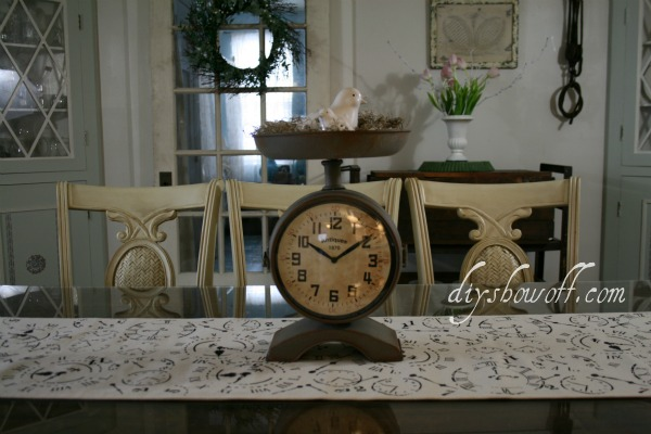 canvas table runner, clock theme