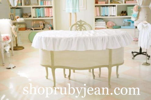 do-it-yourself vinyl table cover
