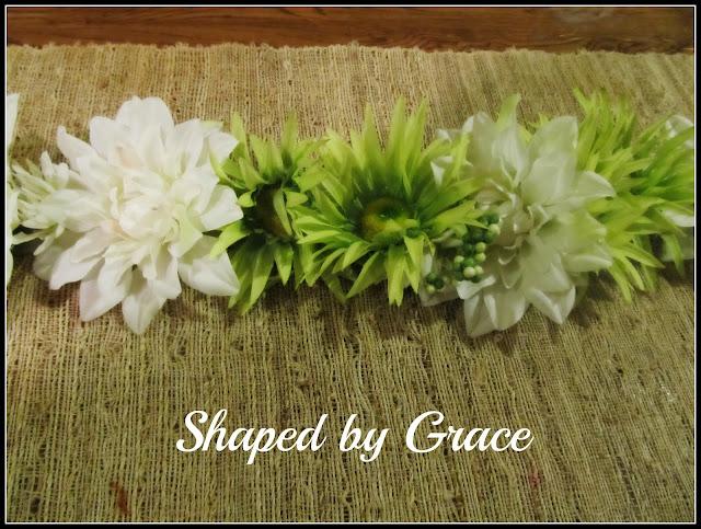 spring flower table runner