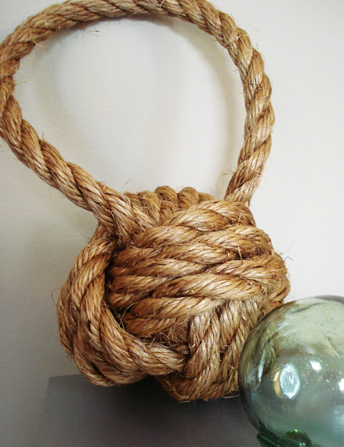 DIY rope knot book end