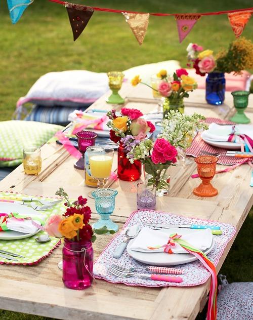 picnic table decor