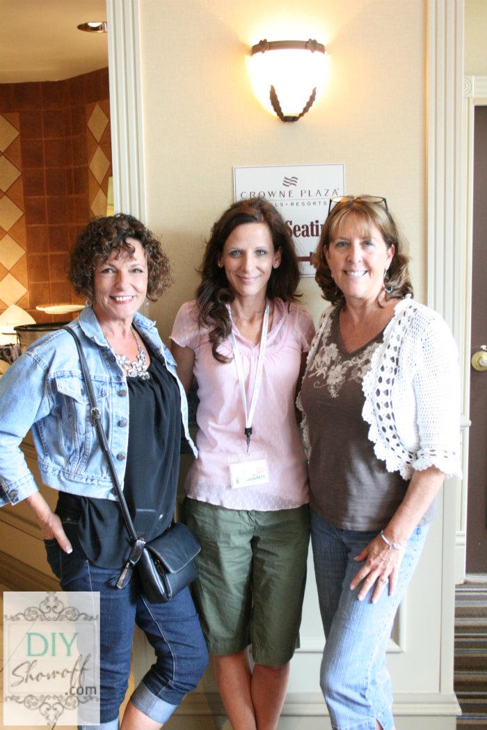Ellen, Roeshel, Vicki