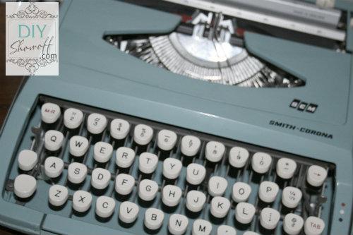 vintage aqua typerwriter