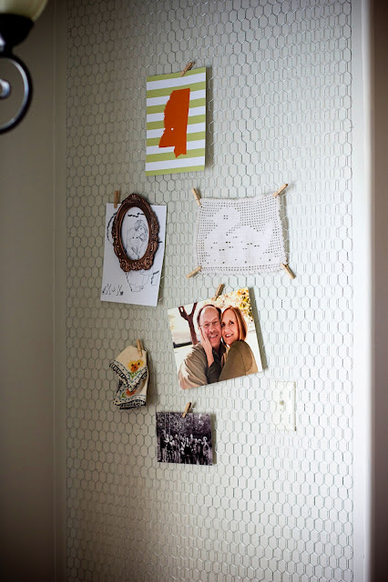 chicken wire gallery wall