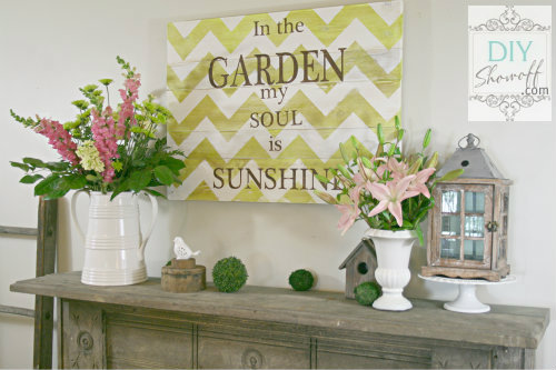 garden chevron sign