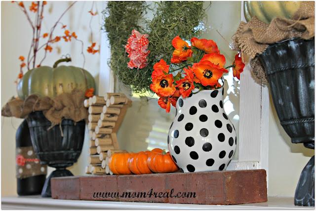 fall mantle at Mom4Real blog