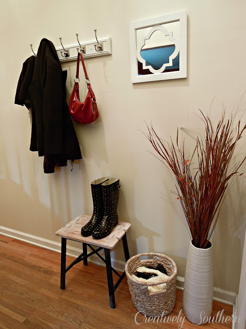 how to create an entryway @Creatively Southern