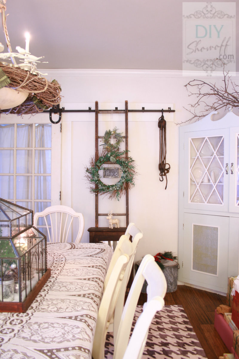farmhouse Christmas dining room