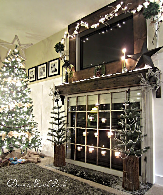 Christmas mantel @Down to Earth Style