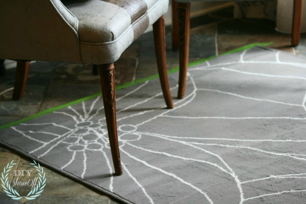rug border with FrogTape