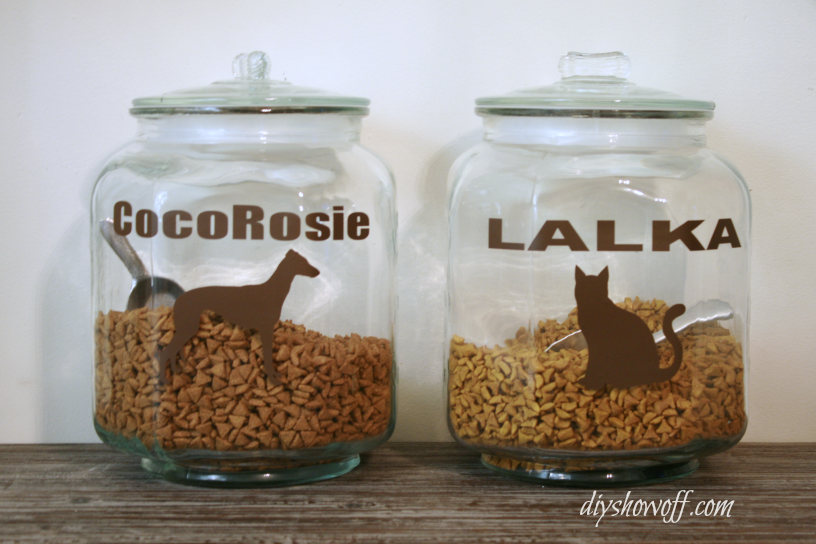 labeled-pet-food-containers