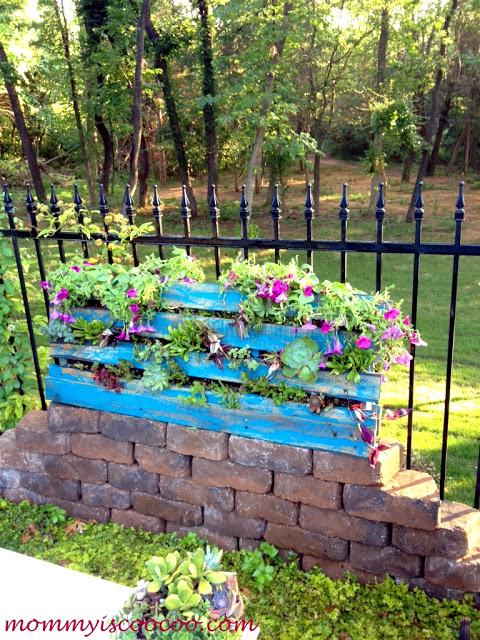 vertical-pallet-garden
