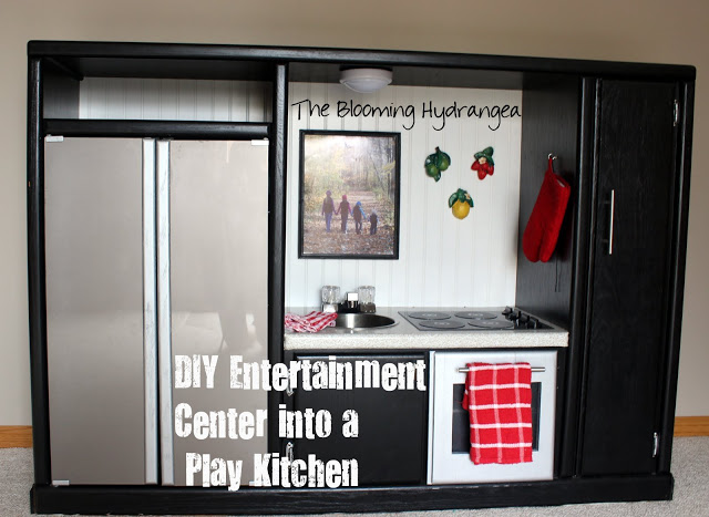 play-kitchen by the blooming hydrangea