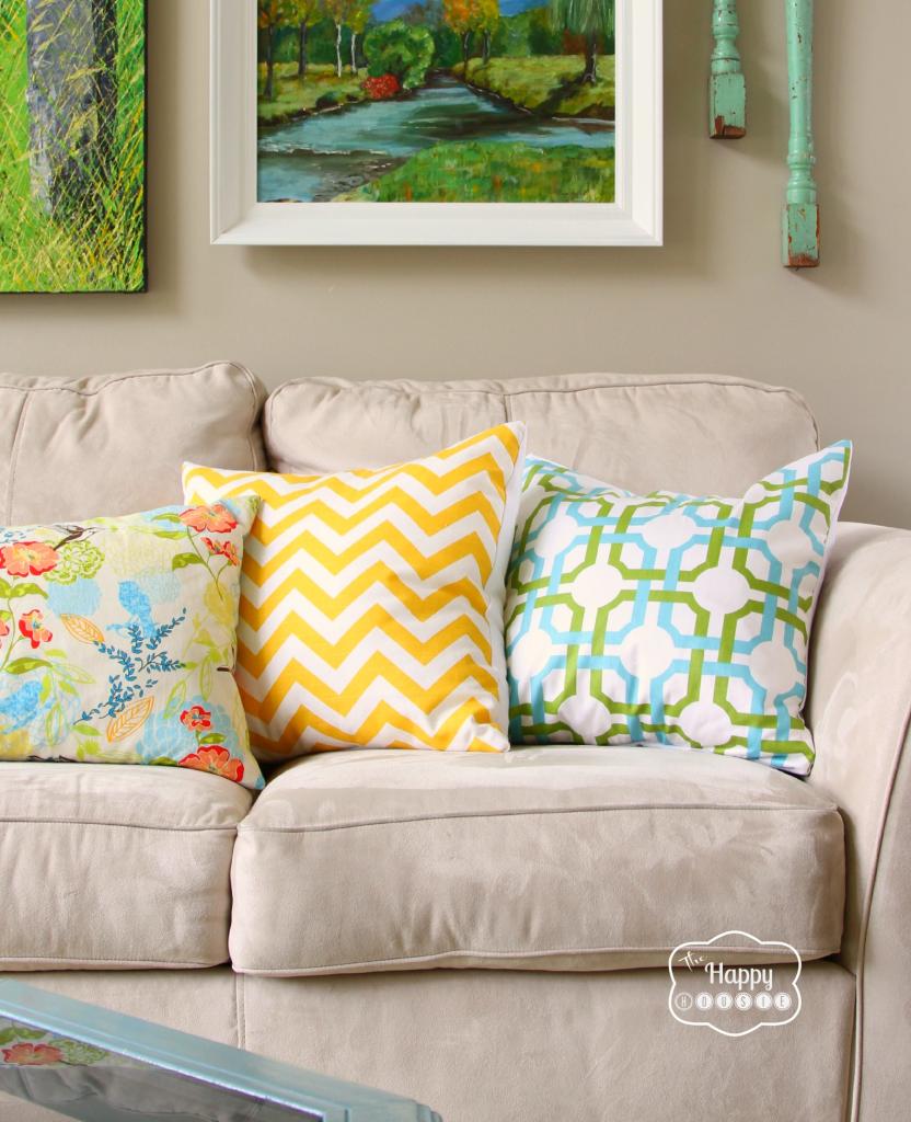 simple-envelope-pillows-at-thehappyhousie
