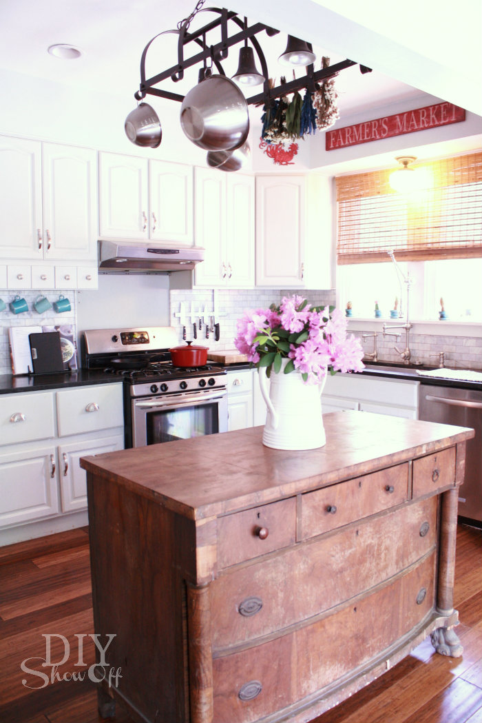 Summer home tour at diyshowoffdiy show off diy for Show kitchen islands