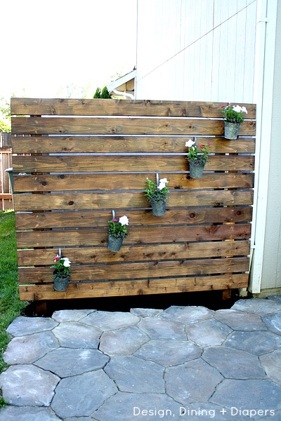 DIY-Garden-Slat-Wall-by-@Design Dining and Diapers