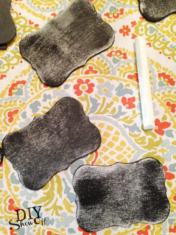 how to make mini chalkboard party favors