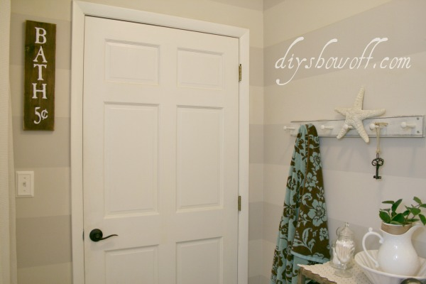 Apartment bathroom decorating ideas on a budget - Striped Bathroom Walls Diy Show Off Diy Decorating And Home