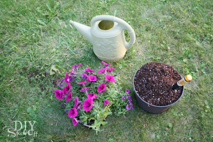 How to make a tire flower planter @DIYShowOff