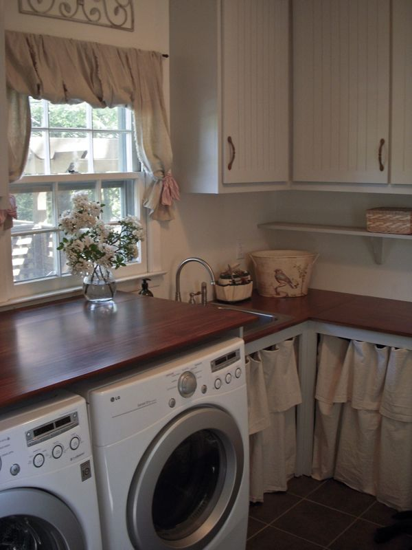 laundry room at Hydrangea Home