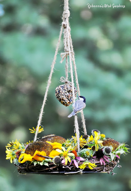 bird feeder wreath - The Garden Roof Coop