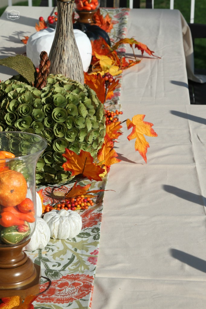 HappyThanksgiving-Tablescape-at-thehappyhousie