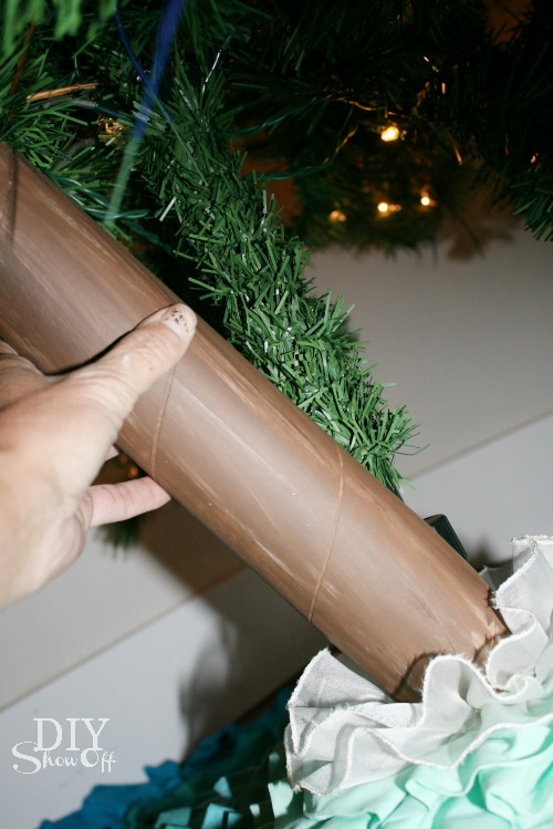 DIY fake Christmas tree trunk cover tutorial