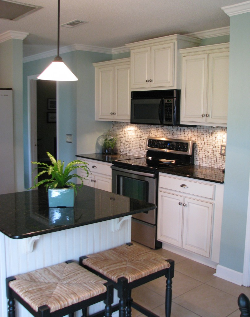 kitchen remodel at Maggie Overby Studios