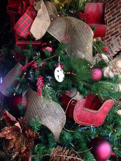 Chic it Simple Christmas Tree 1