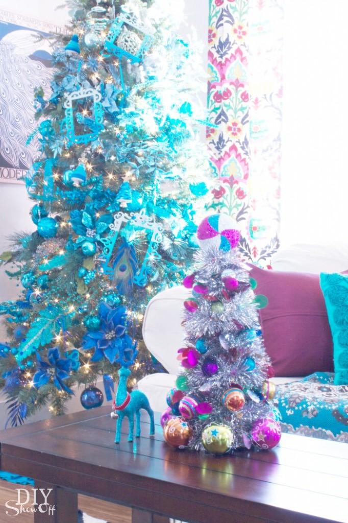 DIY ornament tinsel tree tutorial