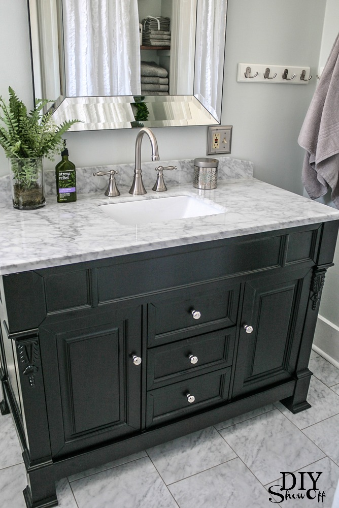 Vanity Light Makeover : Bathroom Before and After - DIY Show Off ? - DIY Decorating and Home Improvement BlogDIY Show ...
