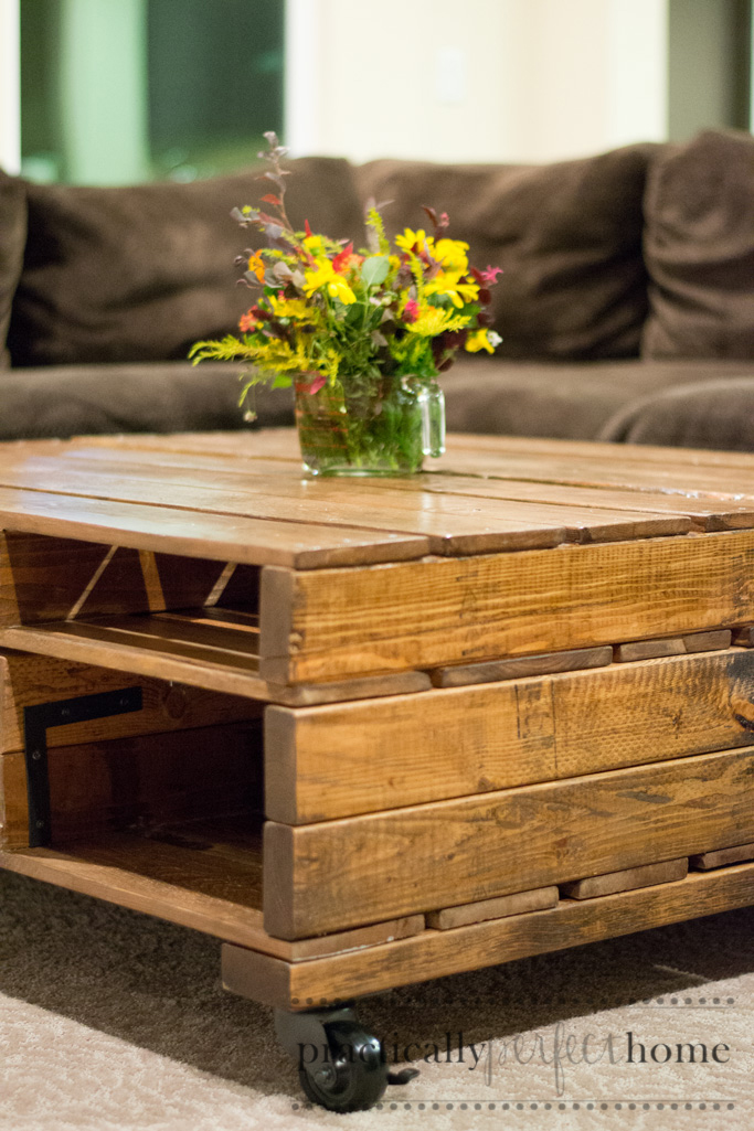 pallet coffee table at My Practically Perfect Home