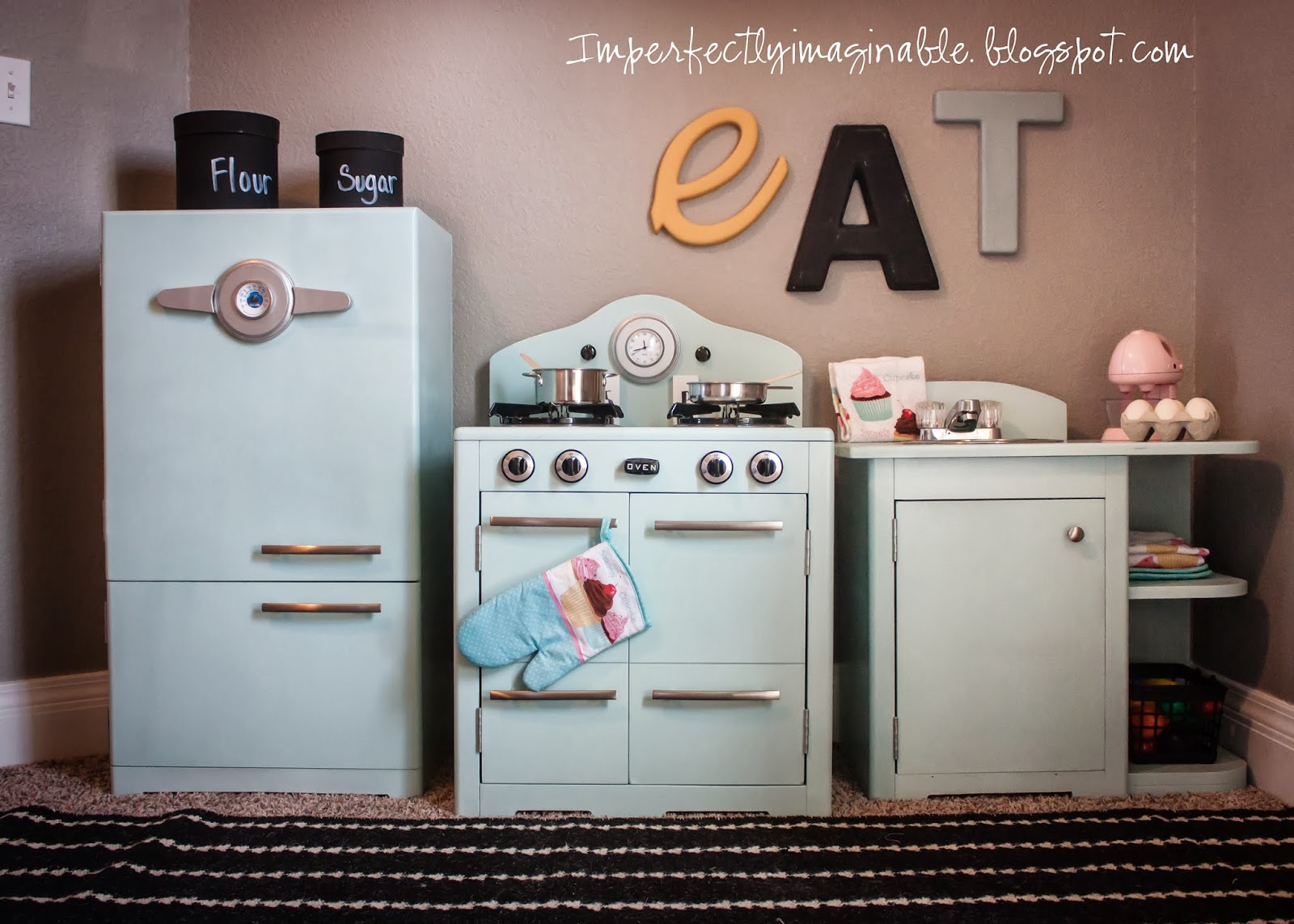 DIY play kitchen @ImperfectlyImaginable