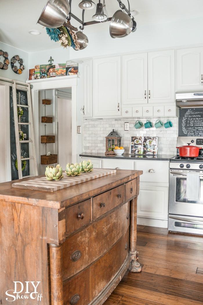 Eclectic vintage modern farmhouse kitchen diy show off for Modern farmhouse blog