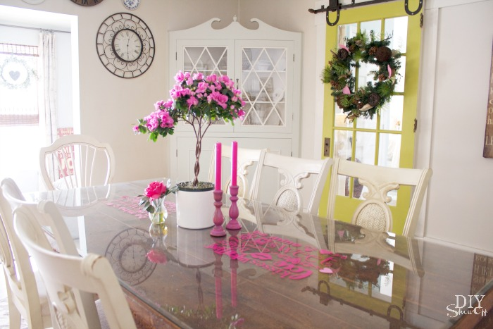Valentine's day dining room decorating