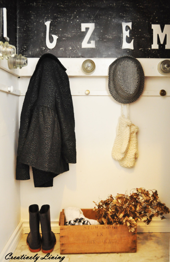 entry way closet reveal @CreativelyLivingBlog