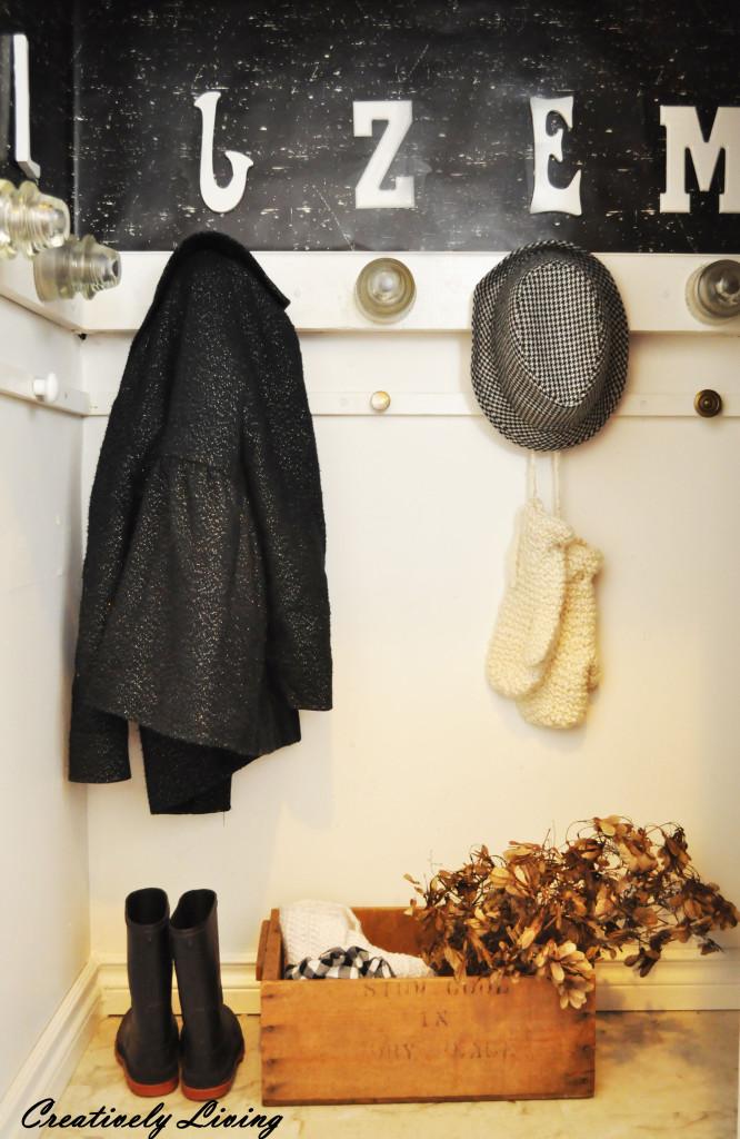 entry way closet reveal @CreativelyLivingBlog