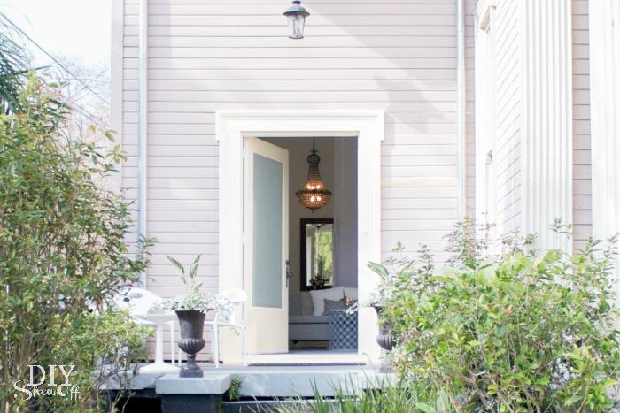 New Orleans rental studio apartment at diyshowoff.com