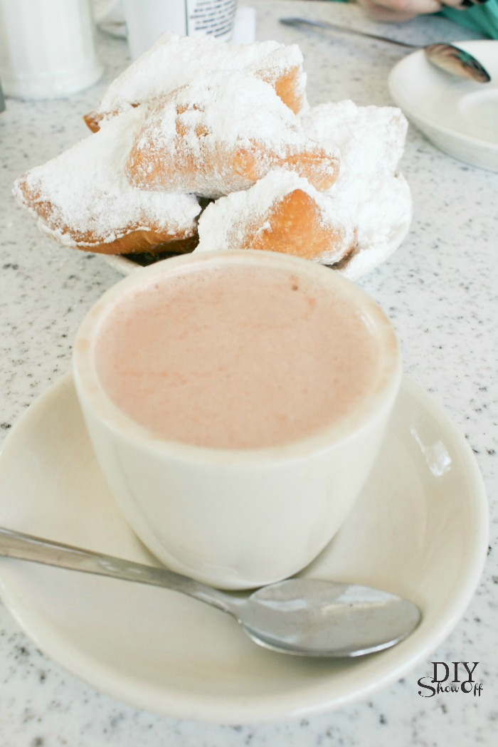 hot chocolate and beignets