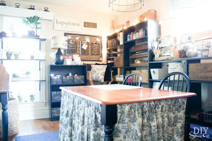 Craft Room at diyshowoff.com