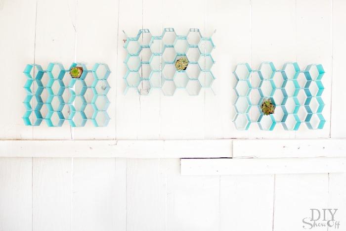 Easy DIY hexagonhoneycomb wall art tutorial at diyshowoff.com