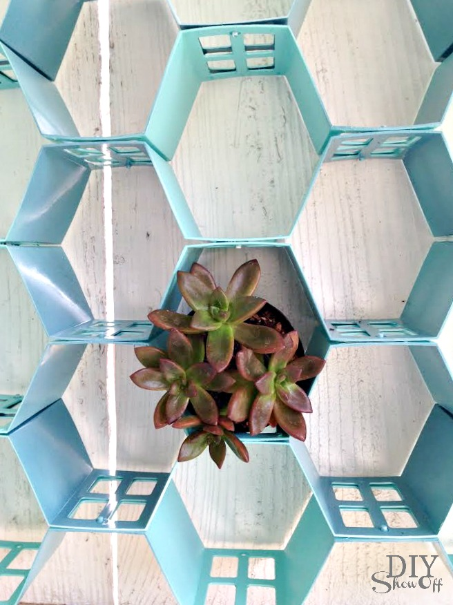 easy hexagon wall art at diyshowoff.com