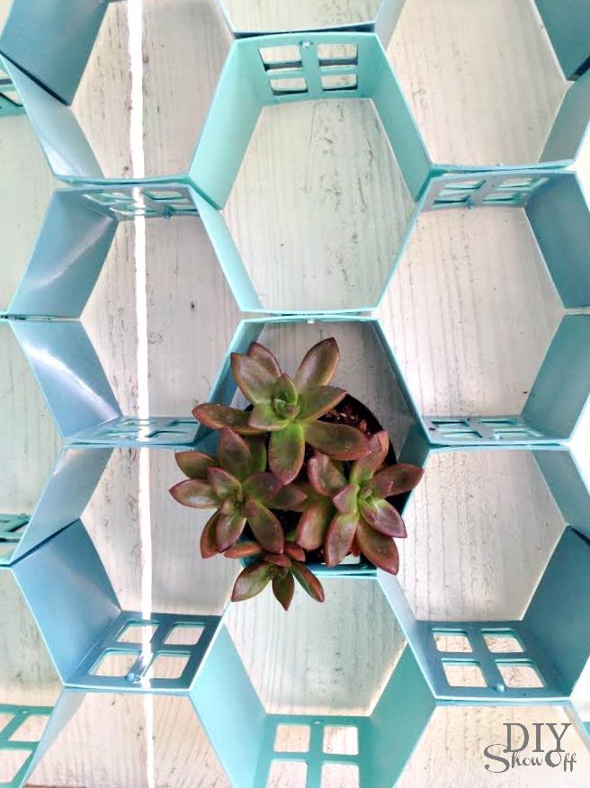 easy hexagon wall art at diyshowoff.com