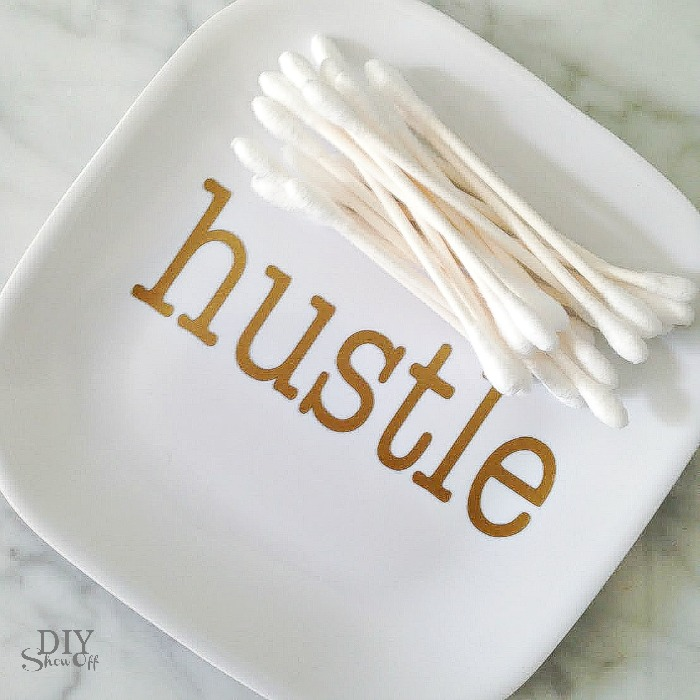 hustle vinyl decal plate tutorial at diyshowoff.com