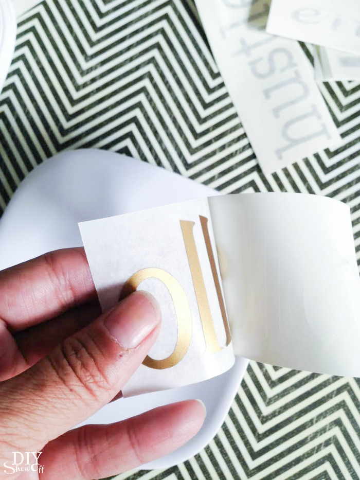 vinyl decal tutorial for plates @diyshowoff.com