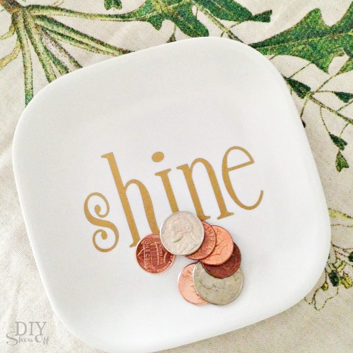 shine vinyl plate decal tutorial at diyshowoff.com